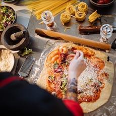Pizza maker job icon